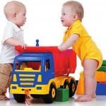 О пользе и целесообразности детских игрушек
